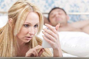 wife catches husband's compromising facebook posts